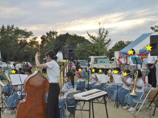 岱明中学校「吹奏楽部」の演奏。素敵な音色がグラウンドいっぱいに響きます♪